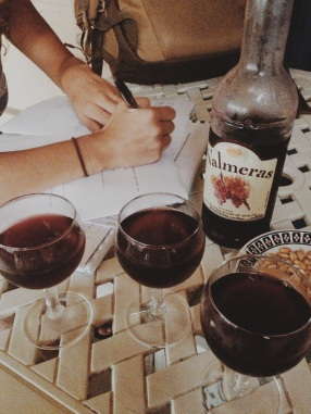 Cheap wine, tough homework / Vinho barato, tarefa dificil